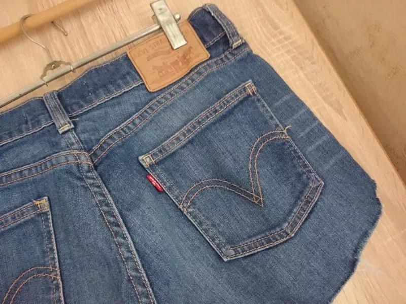 Стильные джинсовые шорты levis