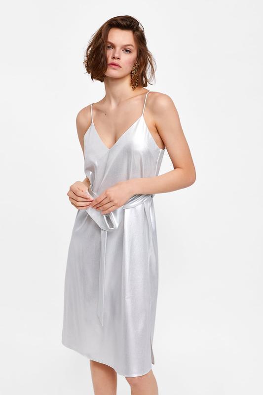 Серебристое платье комбинация zara