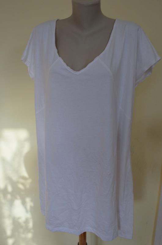 Красивая длинная белая котоновая блуза футболка удлиненная бол...