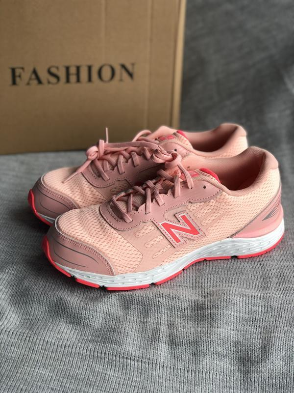 Новые розовые кроссовки new balance