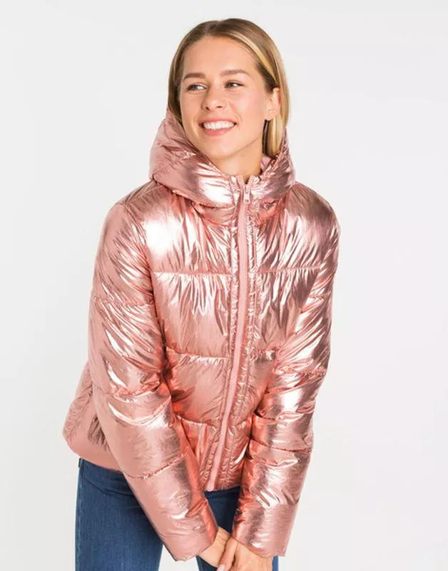 Продам новую женскую куртку с капюшоном