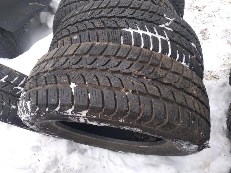 4зимние шины в отличном состоянии дёшево