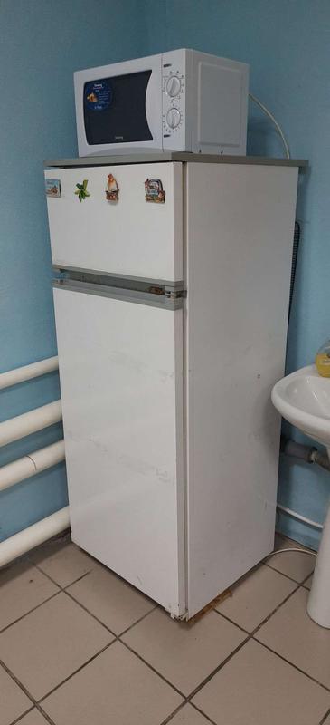 Двухкамерный холодильник (с отдельной морозильной камерой)