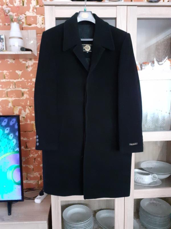 Стильное теплое кашемировое с карманами пальто большого размера