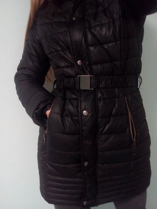 Черное пальто пуховик