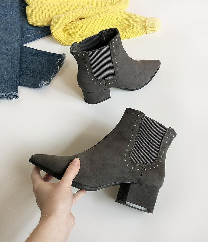 Обалденные замшевые ботинки казаки primark