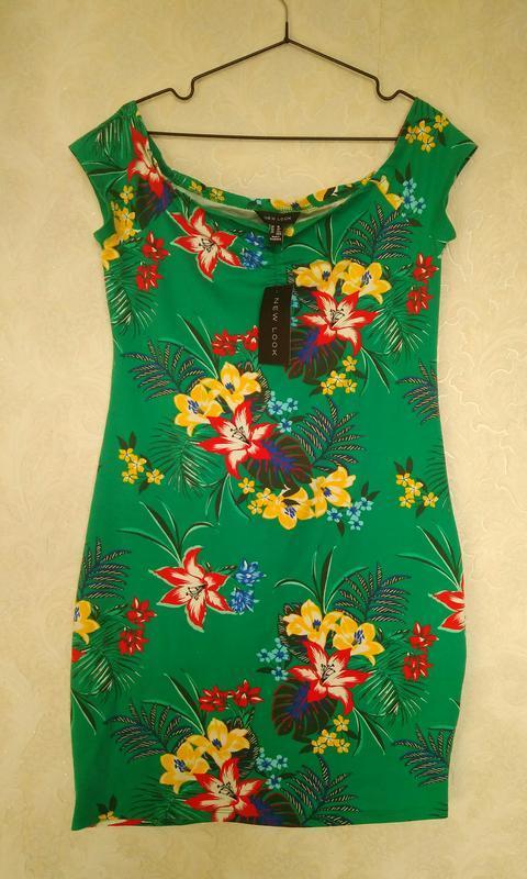 Принтовое зауженное платье футляр в цветы бренда new look,р.16
