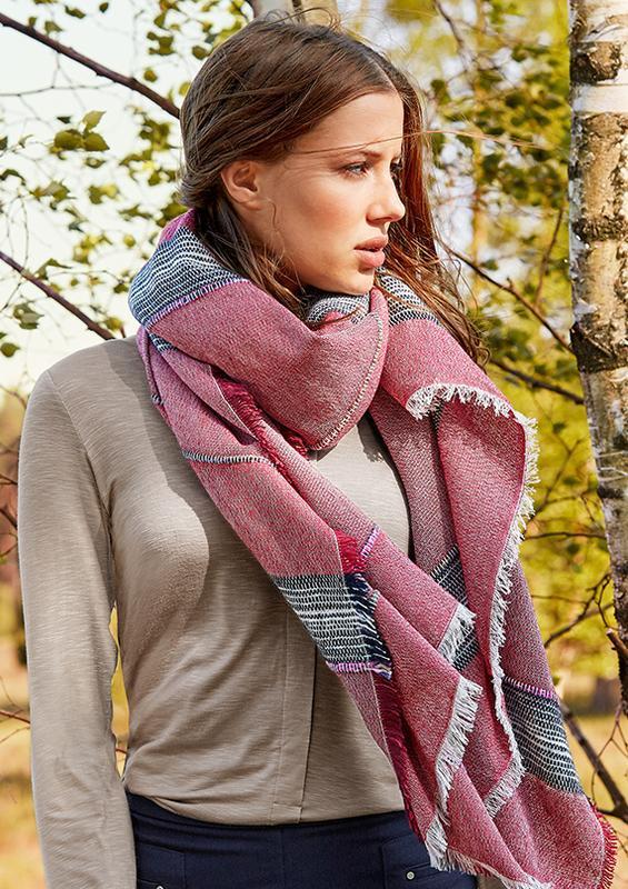 Большой и объемный шарф tchibo - ультра модное дополнение к лю...
