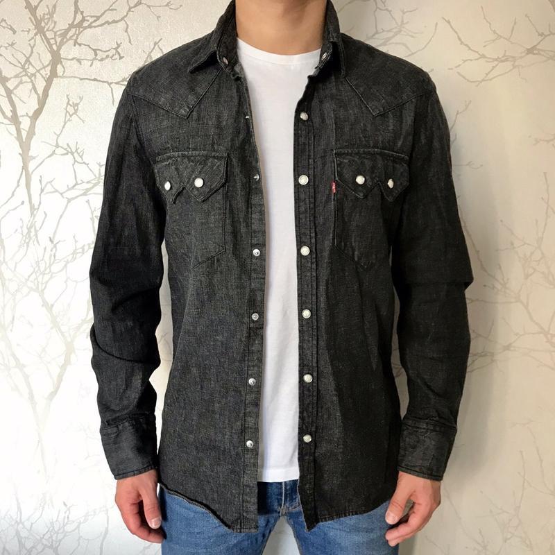 Стильная джинсовая мужская рубашка levis