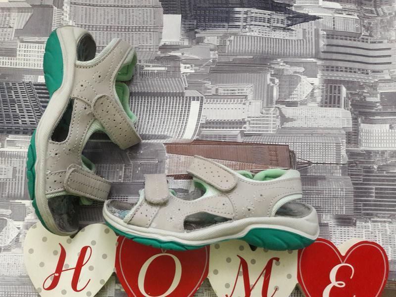 Фирменные сандали. румыния