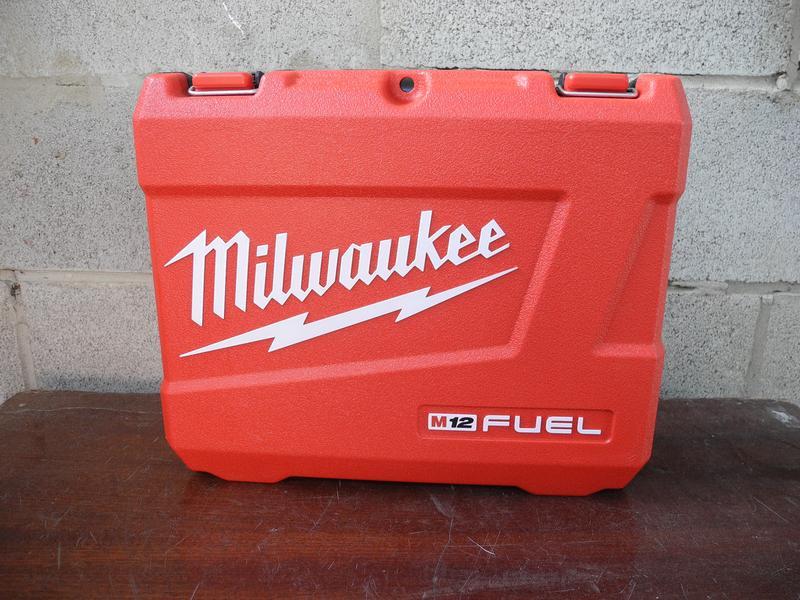 Milwaukee M12 Fuel 2553-22 бесщеточный набор инструмента - Фото 2