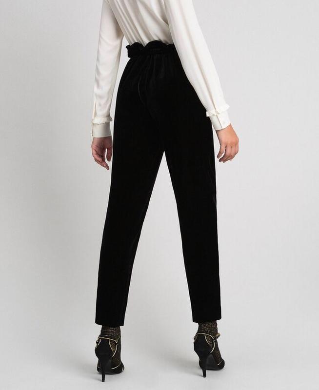 Черные бархатные штаны с высокой посадкой opera richards