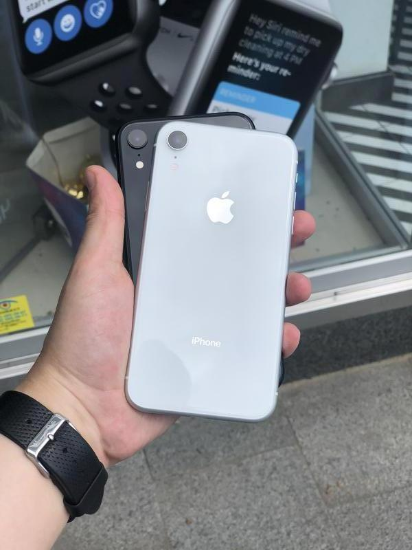 Used Iphone Xr 64/128/256 Gb