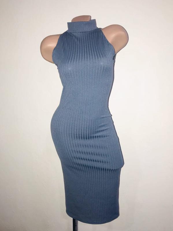 Силуэтное платье трикотаж резинка. по фигуре
