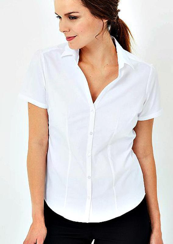 Белоснежная силуэтная рубашка с коротким рукавом р.18
