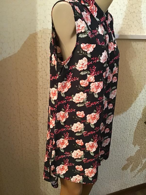 Красивое платье-рубашка/ туника в цветы/ вискоза