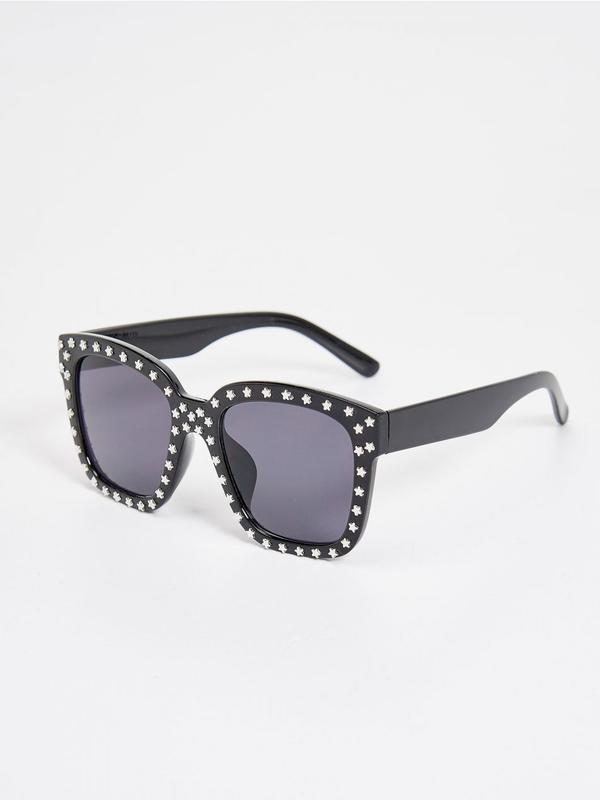 Солнцезащитные очки sinsay арт. 109