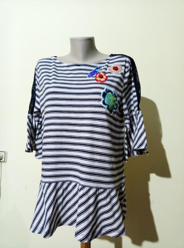 Красивая трикотажная блузочка с вышивкой