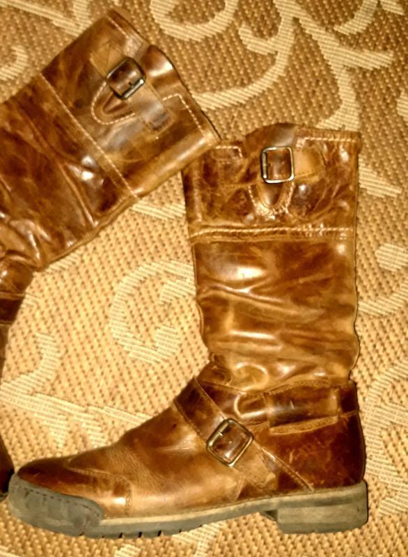 Шкіряні чоботи відомого бренду