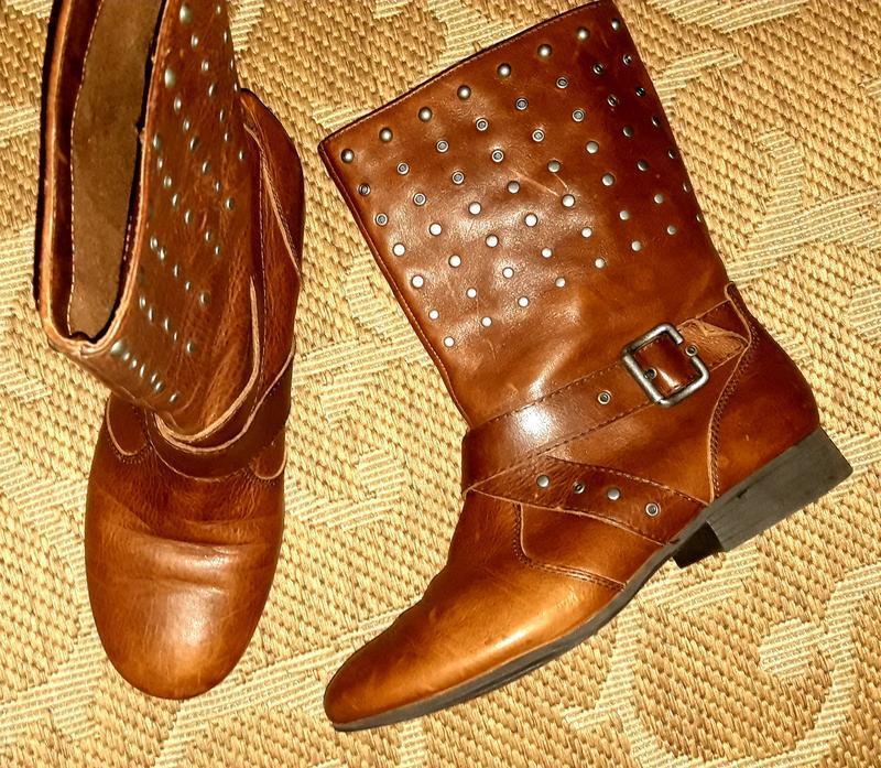 Стильні шкіряні черевики