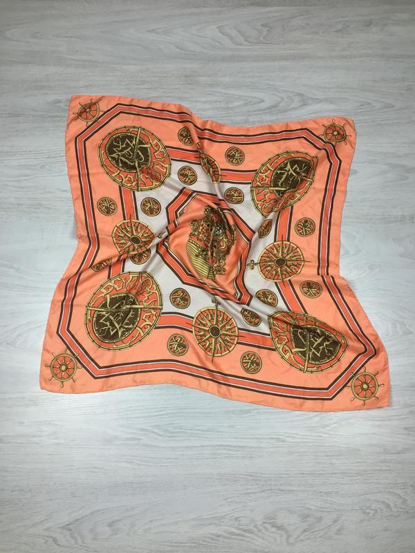 Шелковый платок в стиле hermes
