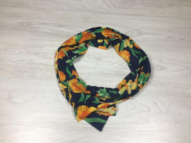 Шелковый шарф платок с цветами!