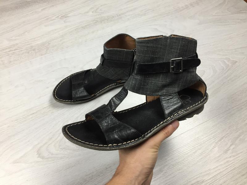 Красивые кожаные босоножки сандалии karston gabor