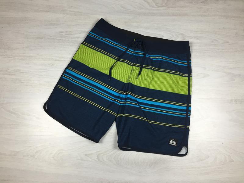 Мужские яркие пляжные шорты quiksilver!