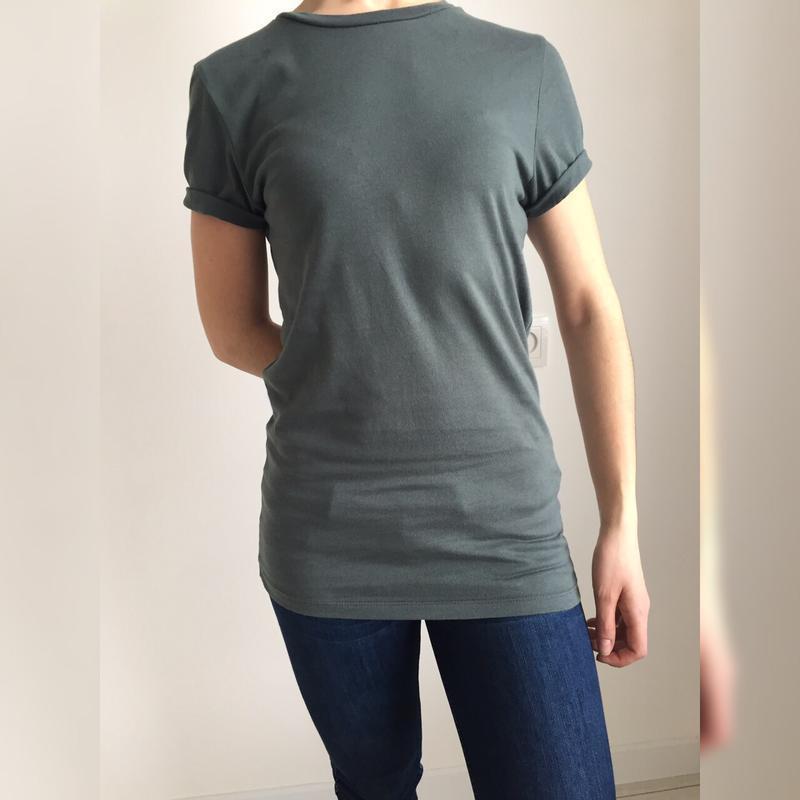 Футболка, удлиненная футболка.