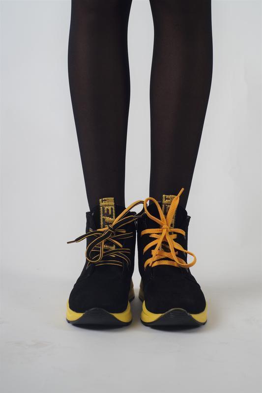 Жіночі замшеві кросівки - черевики на жовтій підошві