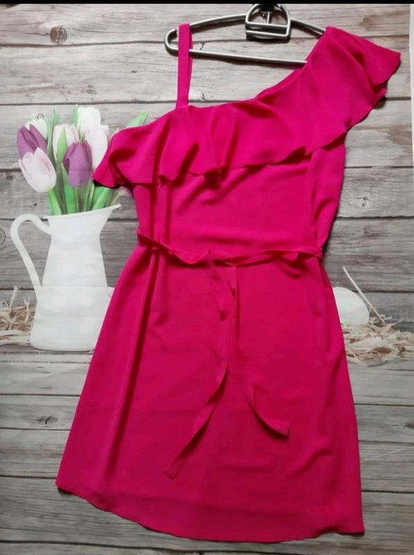 Яркое платье свободного кроя