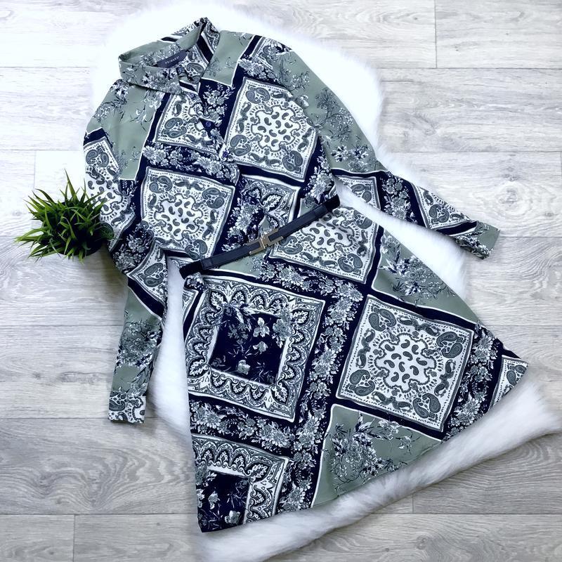 Платье-рубашка приталенная