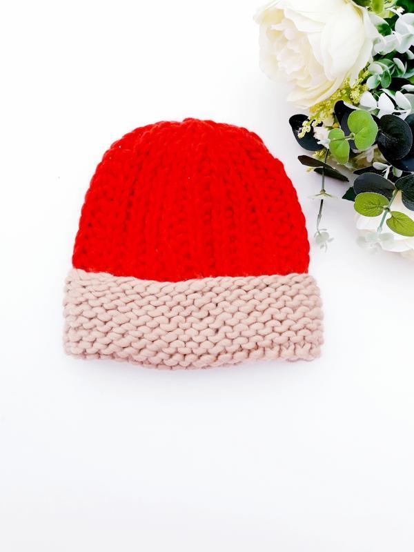 Очень красивая шапка грубой вязки яркая шапка