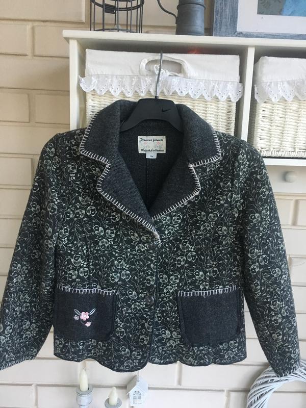 Нереальной красоты пиджак жакет на девочку 8-10 лет