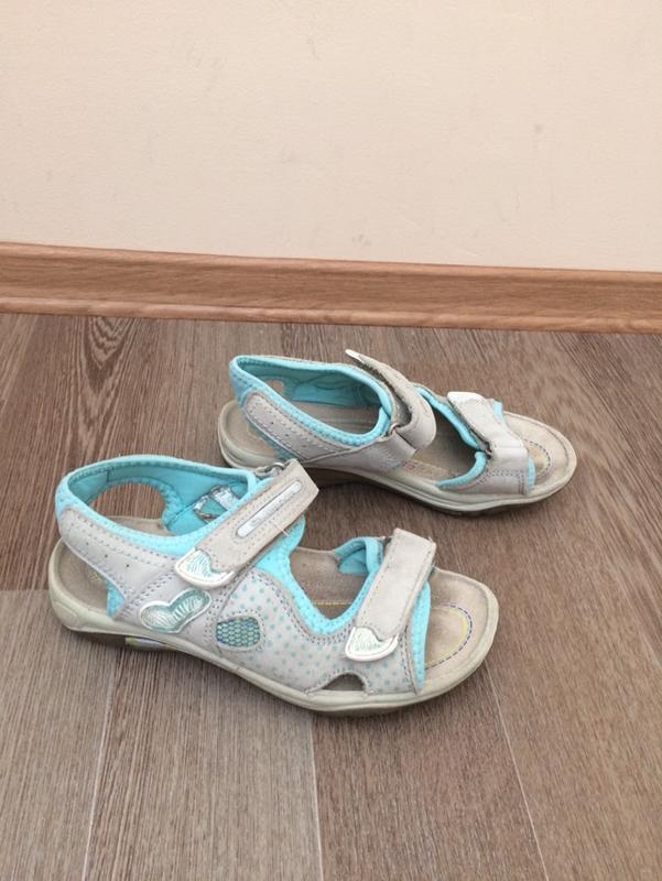 Everest  кожаные босоножки сандалии  сандали 33р
