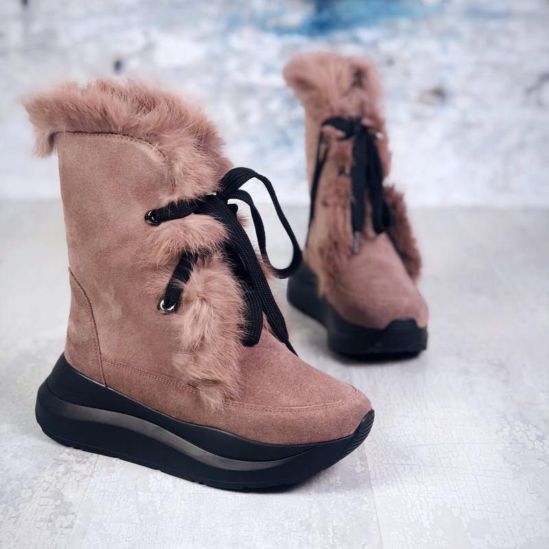 Натуарльная замша. зимние замшевые ботинки с опушкой на массив...