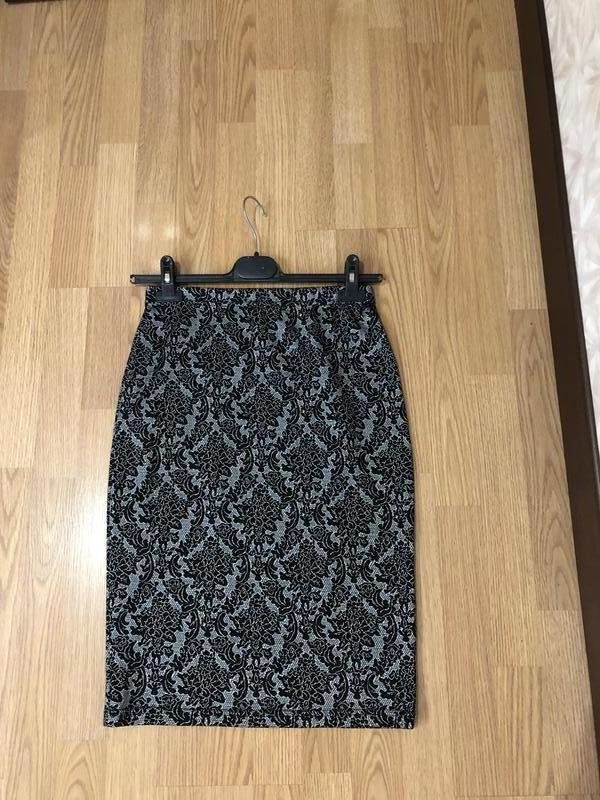 Красивейшая трикотажная брендовая юбочка-карандаш миди, р-р 44...