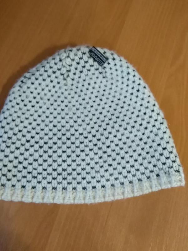 Актуальная удобная тёплая шапка