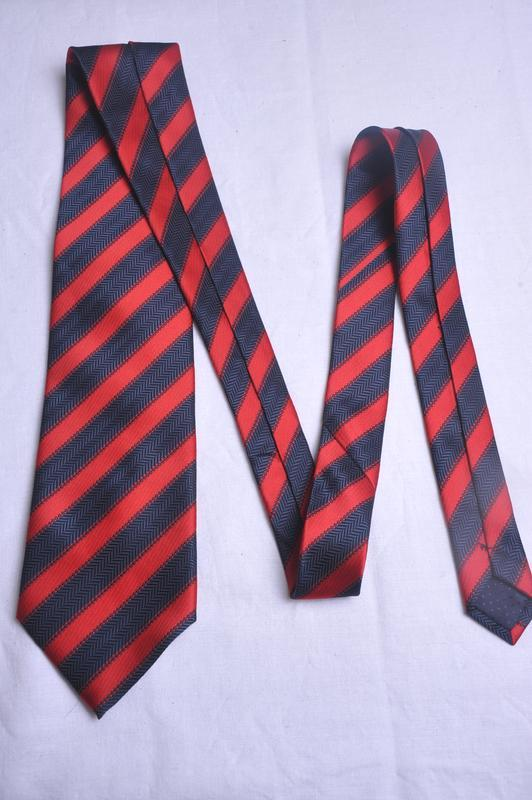 Стильный  фактурный галстук mario valli