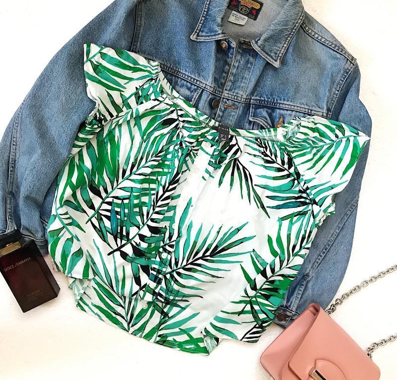 Красивая блуза топ футболка в растительный принт на плечи