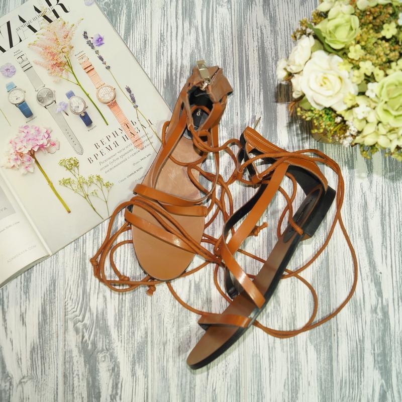 Mango. стильные босоножки, сандалии с актуальной шнуровкой