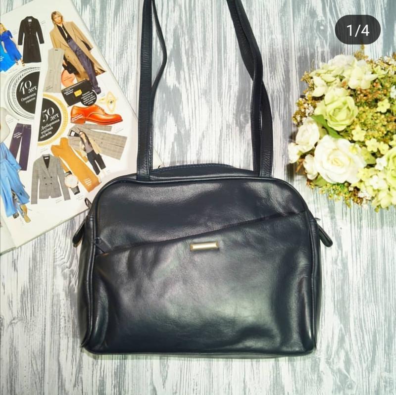 Кожа. практичная сумка средних размеров