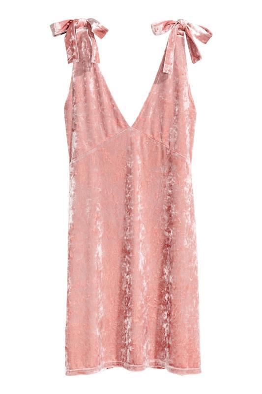 Шикарное бархатное платье с бантиками на плечах