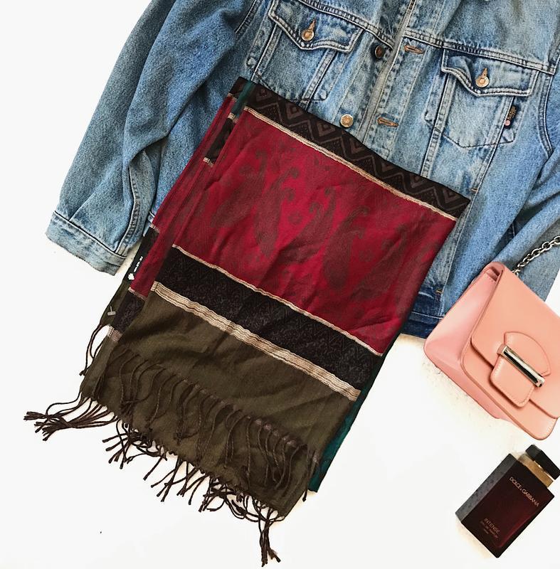 Шикарный большой шелковый шарф палантин в интересный принт ита...