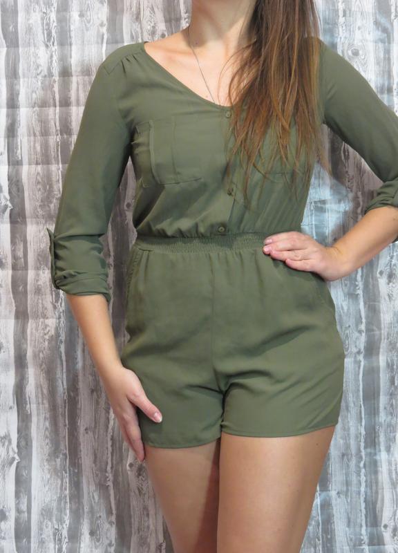 Супер комбинезон с шортами цвет хаки ромпер размер 44-46