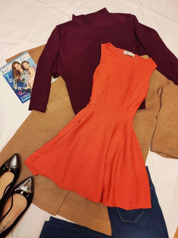 Cameo rose платье красное с тиснением фактуроное