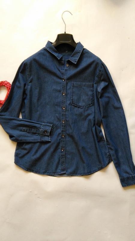 Джинсовая рубашка на пуговках