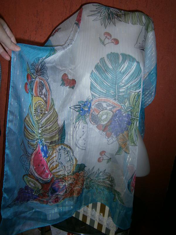 Вкусный большой прозрачный шарф с люрексом натюрморт фрукты ягоды
