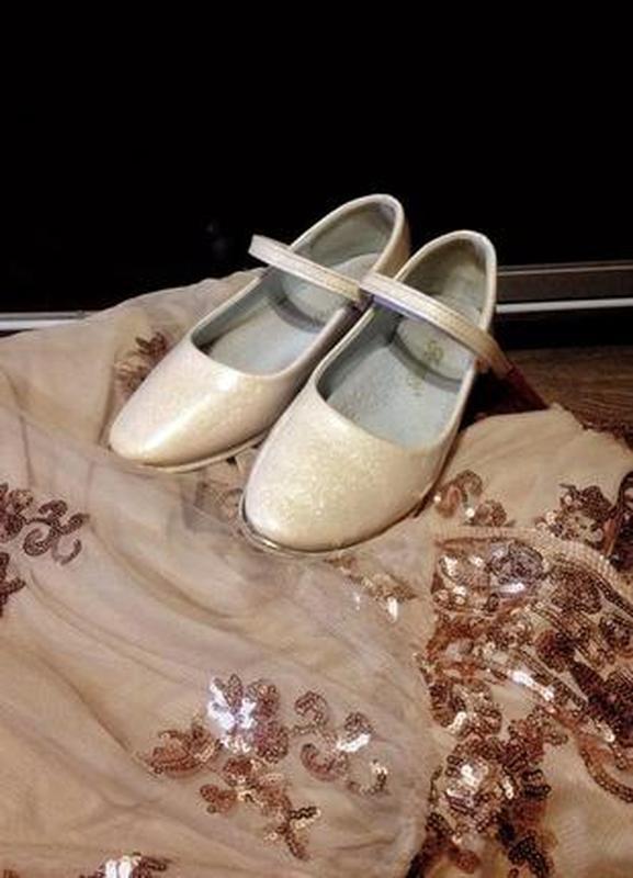 Детские золотистые блестящие туфли