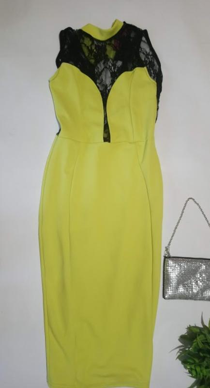 Яркое,облегающее платье с кружевом boohoo